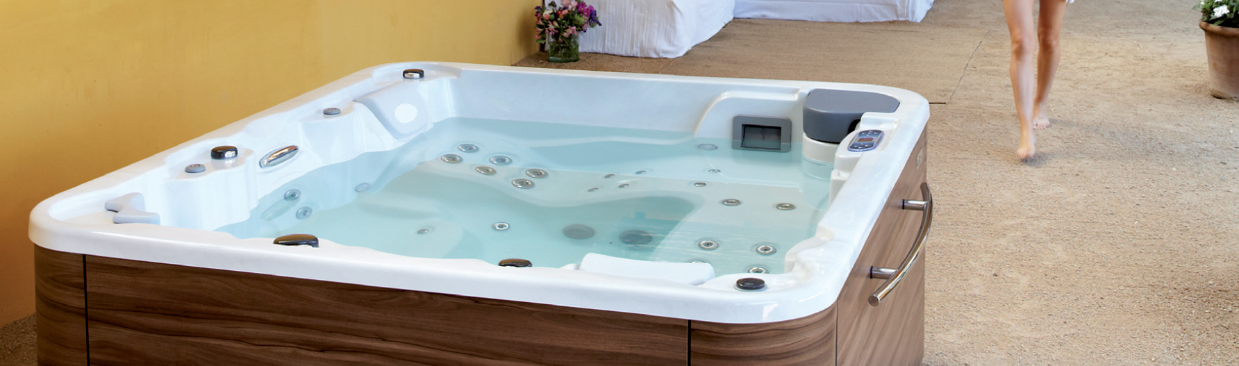 spa ext rieur jacuzzi int rieur spa 5 places spa 6. Black Bedroom Furniture Sets. Home Design Ideas